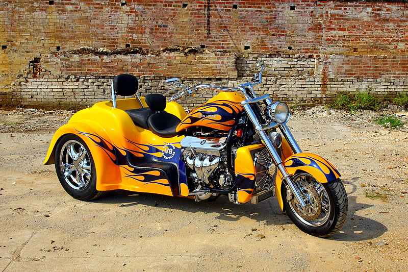 Boss Hoss BHC-9 Coupe Trike